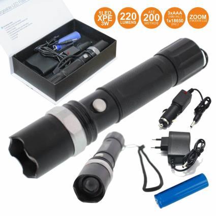 Lanterna C/ 1 Led Xpe 3w 3 Níveis Luz Zoom 220lm Well