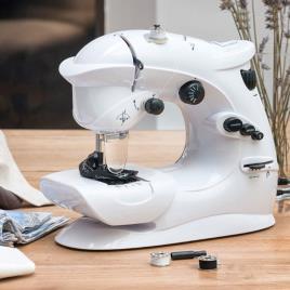 INNOVAGOODS - Máquina de Costura Compacta InnovaGoods 6 V 1000 mA Branco